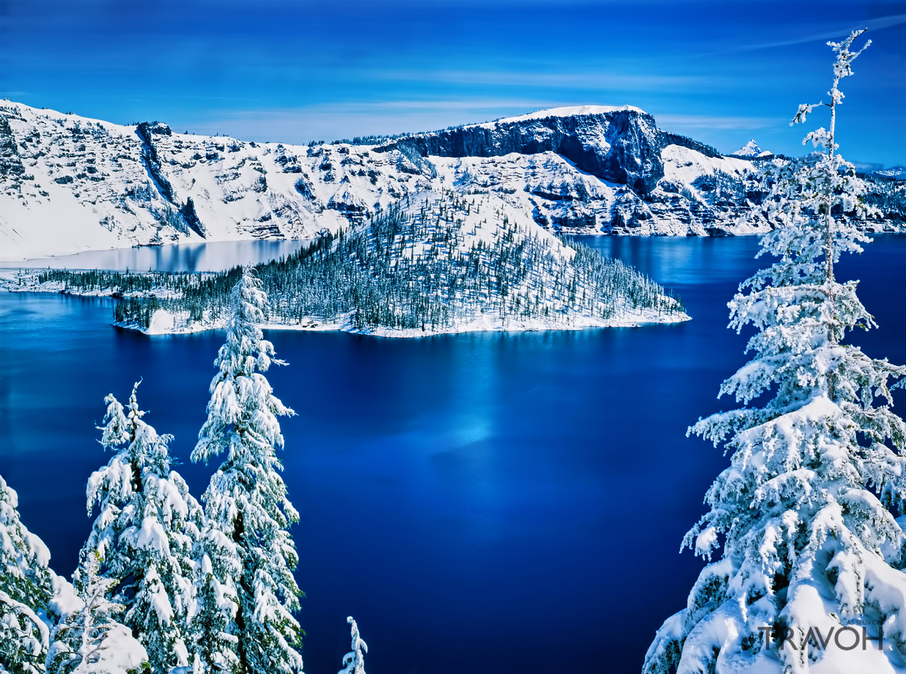 Winter Wonderland at Crater Lake in Oregon, USA