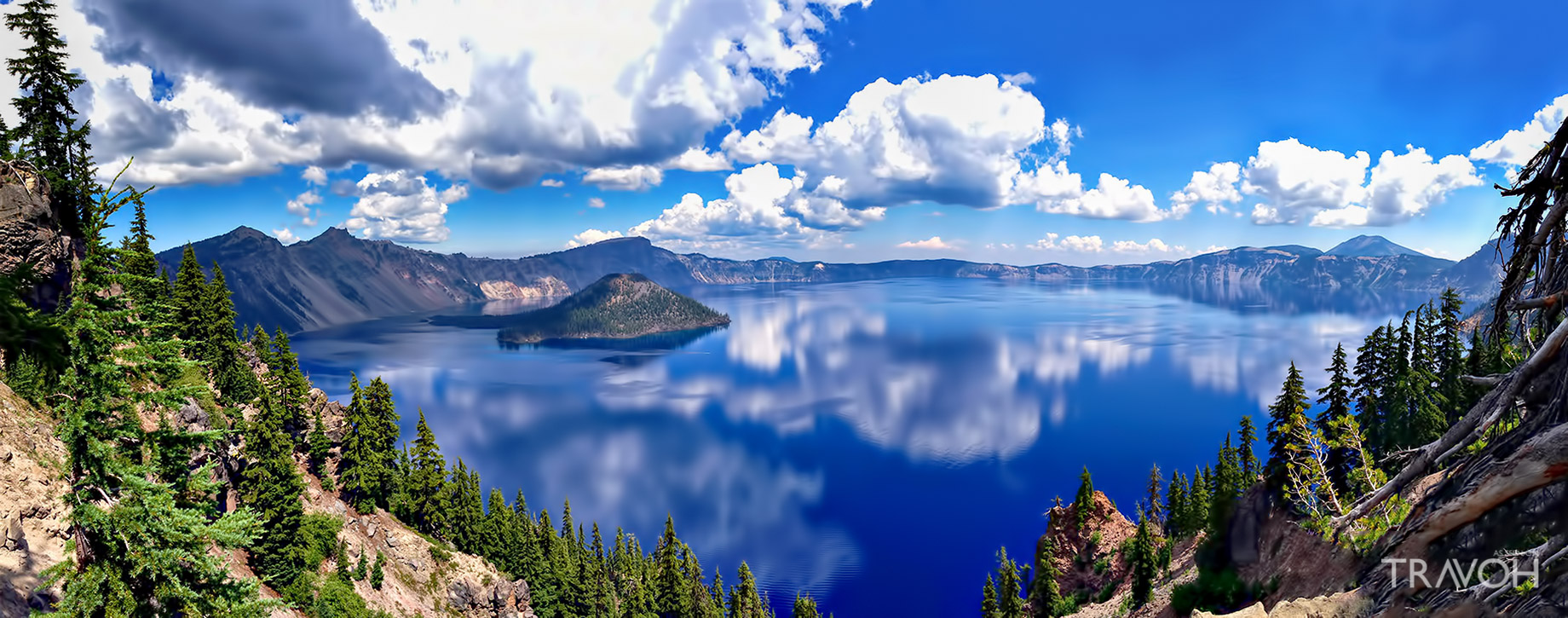 Incredible Panoramic View of Crater Lake in Oregon, USA