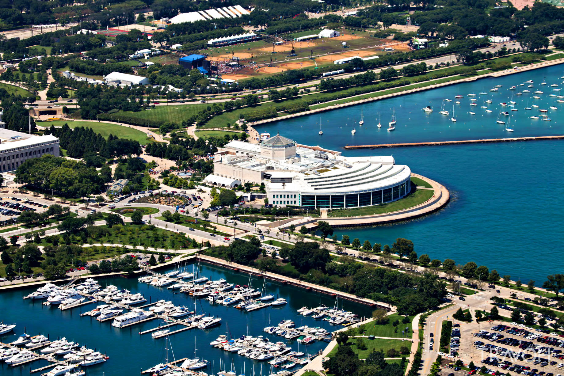 Visit the Shedd Aquarium - 1200 S Lake Shore Dr, Chicago, IL, USA