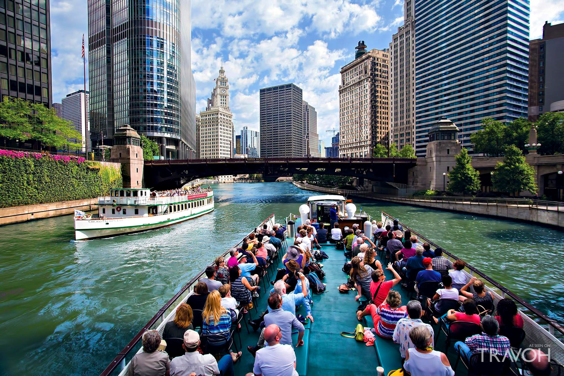 Take a Cruise on the Chicago River - Chicago, IL, USA