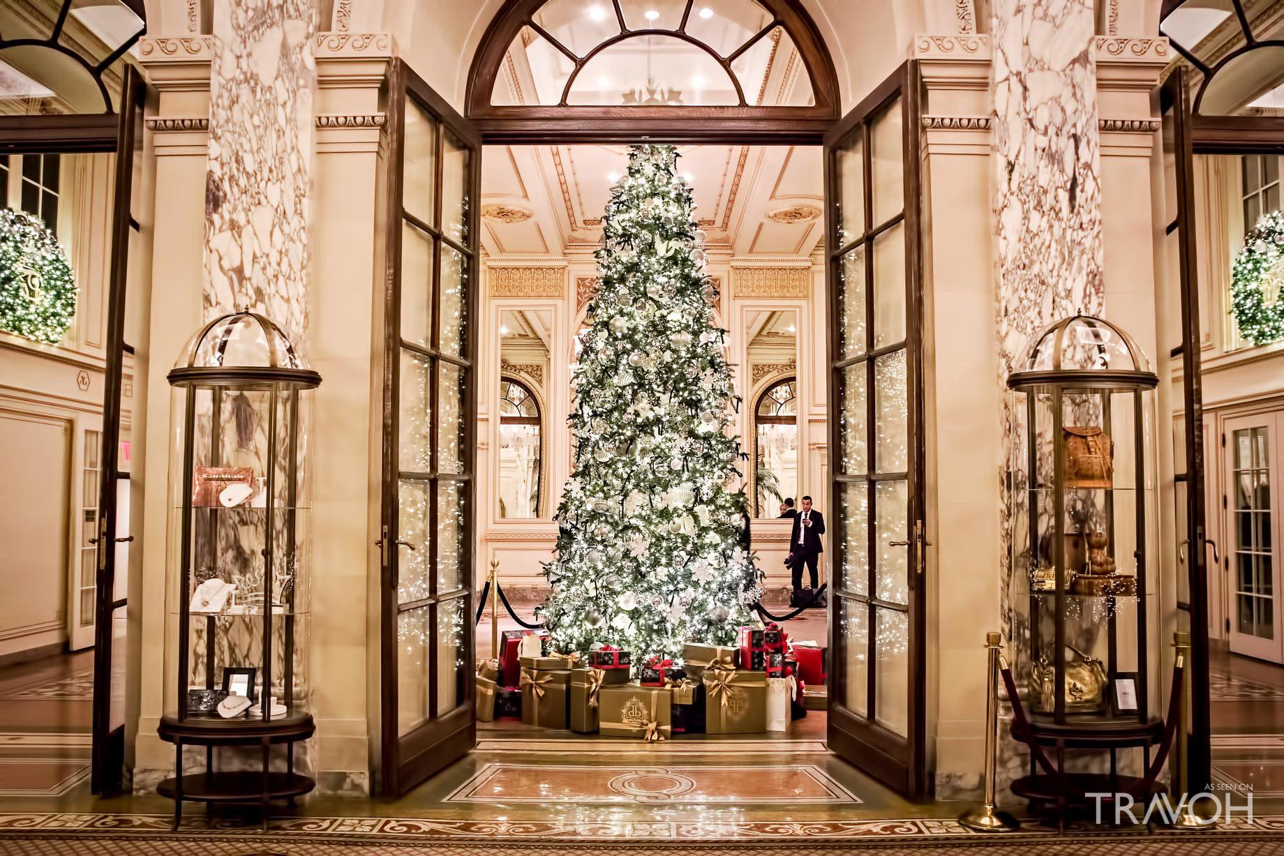 Santa at the Plaza Hotel – 768 5th Ave, New York, NY, USA