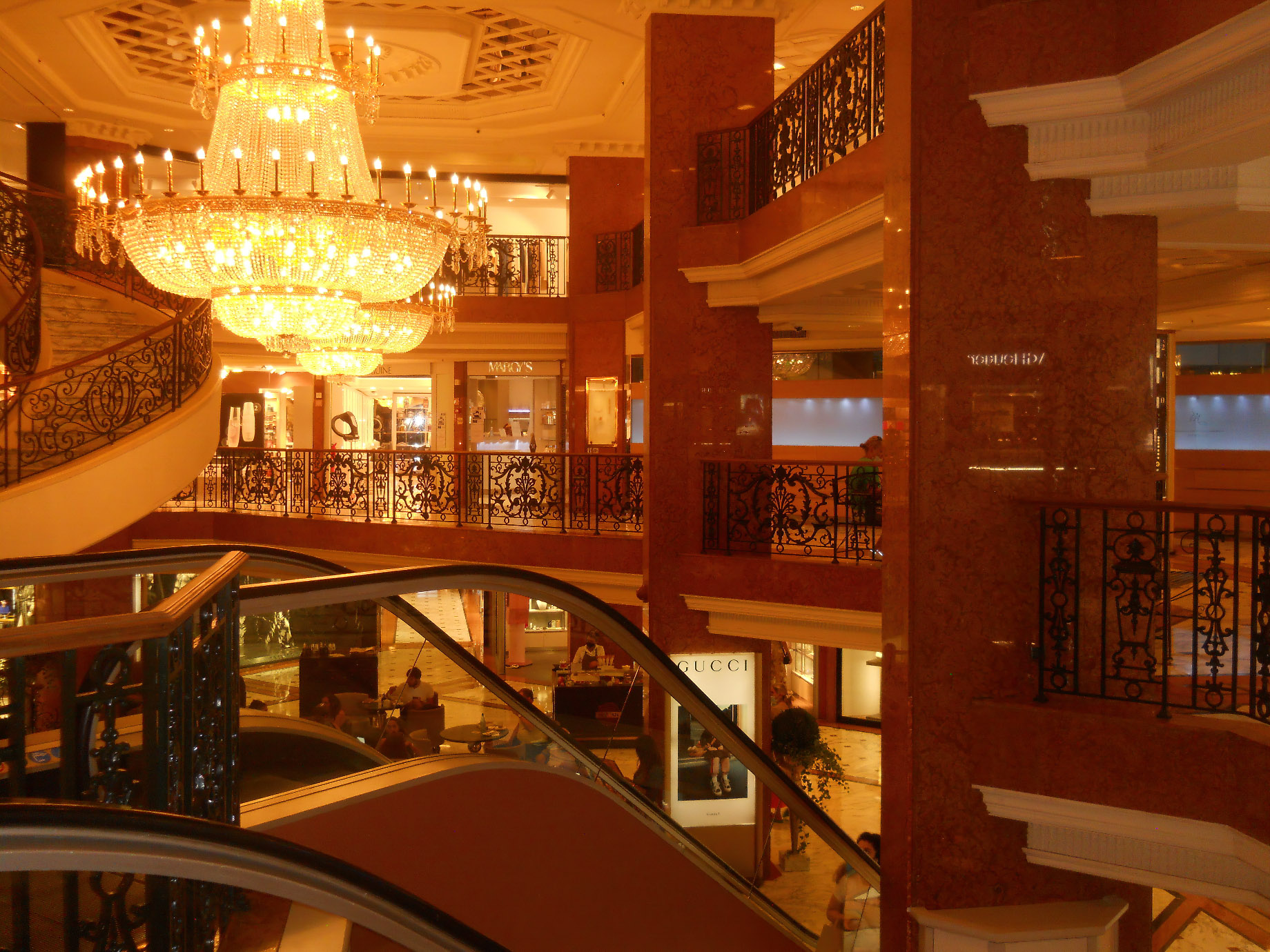 Discover Five of The Best Things to Do in Monaco in Winter - Metropole Shopping Monte-Carlo
